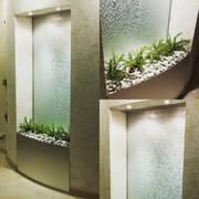 Декоративные водопады по стеклу для дома и офиса